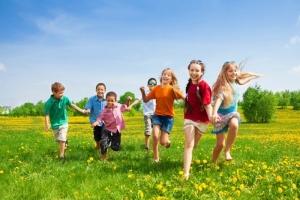 çocuklar için uygun yaşam alanı, yeşil alan, mutlu çocuklar
